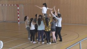 Alumnes de quart d'ESO ganxons participen al projecte de dansa 'Five days to dance'