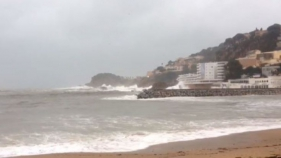 Es manté el fort temporal de mar a la Costa Brava